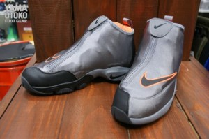 oregon-state-nike-air-zoom-flight-glove-01-570x379