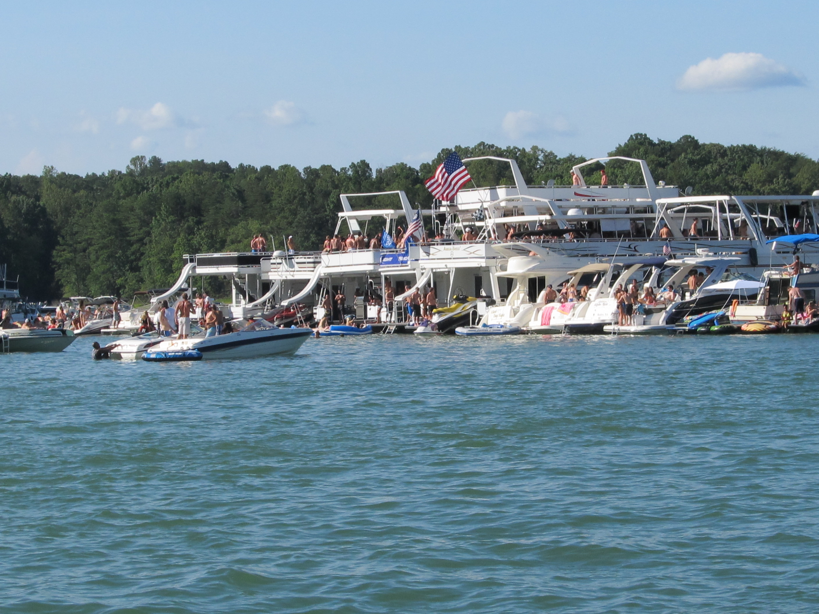 13 Signs You're a Country Girl from Georgia Lake Lanier Party