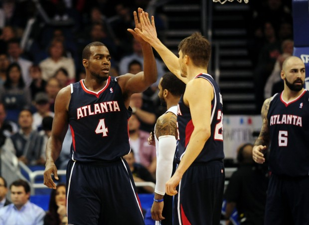 korver-millsap-high-five-2014-620x453