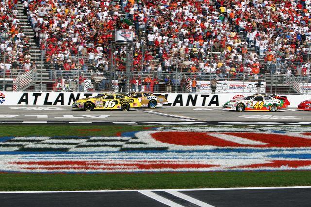 A Beginners Guide To The Atlanta NASCAR Race GAFollowers - Car show atlanta motor speedway