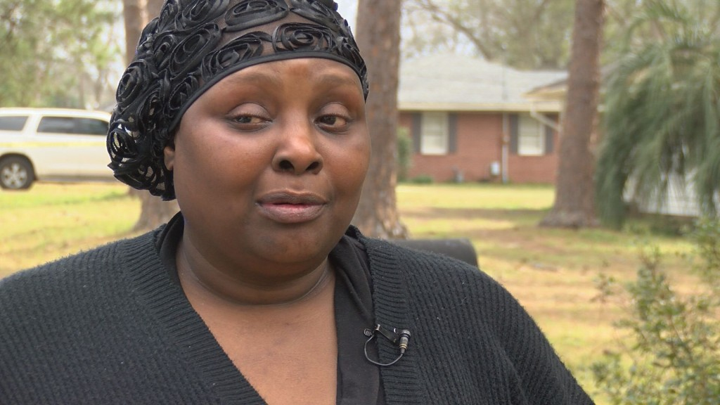 Burch's mother Leslie Collins talking about the shooting with WALB
