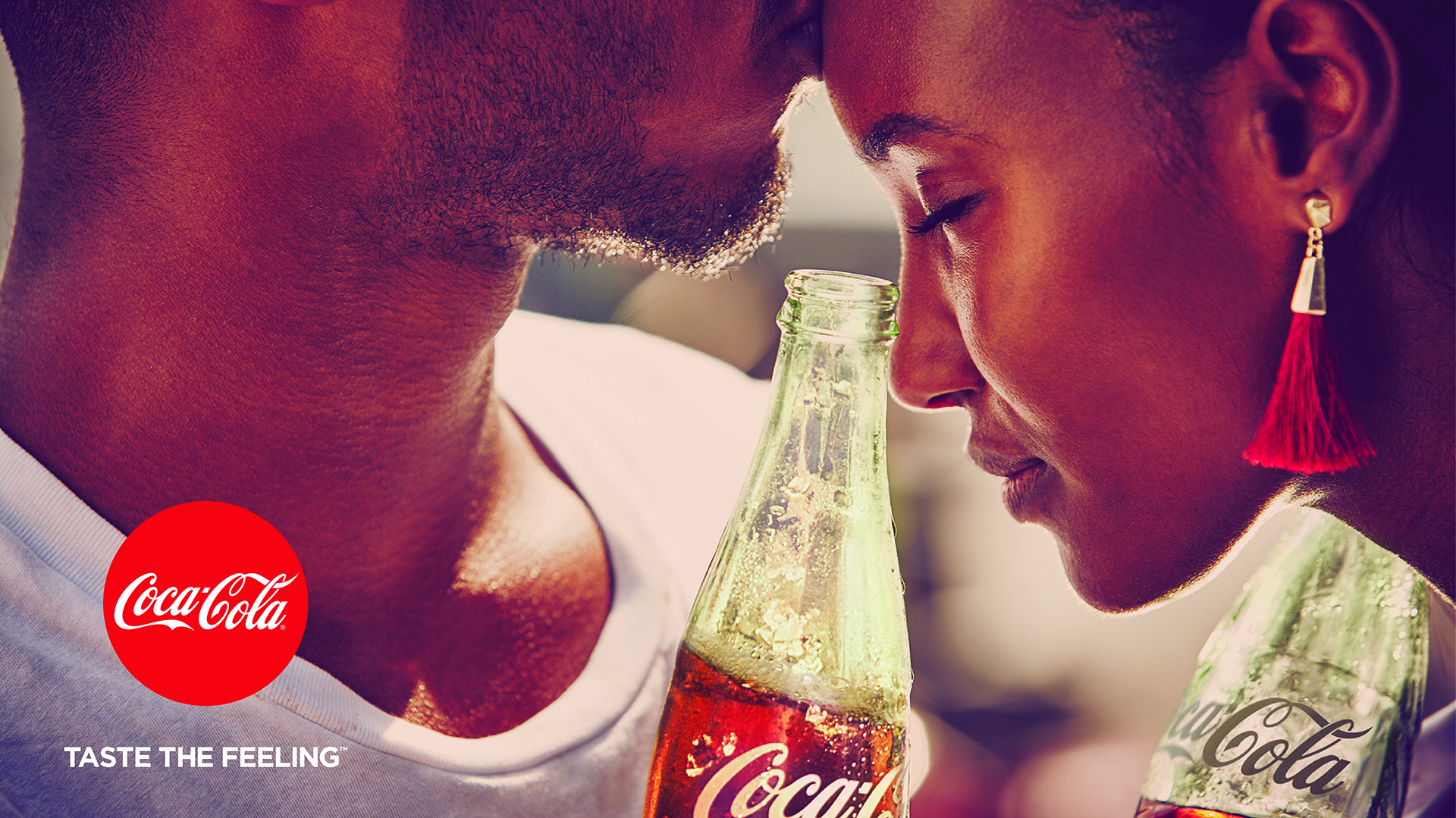 coca cola commercial Coca-cola gold feelings commercial song taste the feeling by avicii vs conrad sewell.