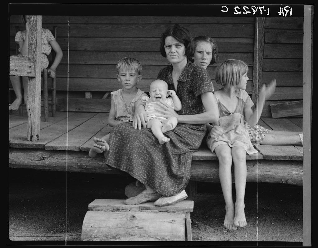 Cotton-sharecropper-family.-Macon-County-Georgia2-1937-lange