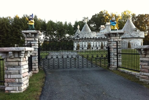 georgia-alpharetta-cagle-castle-gate