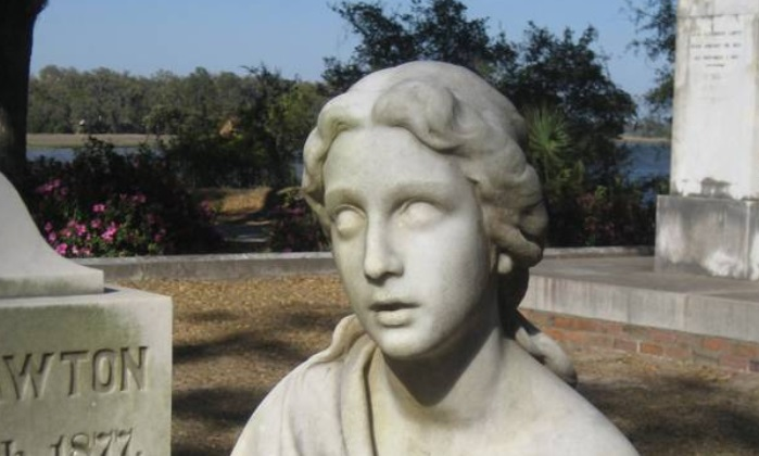 Corrine Elliot Memorial Grave