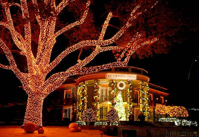 Christmas Lights In Savannah Ga.7 Christmas Towns In Georgia You Have To Visit Gafollowers