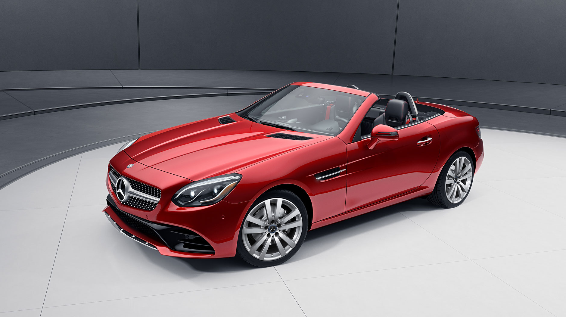 The Slc 300 Replaces Slk Joining Mid Ranged C Family Of Mercedes Lineup Alongside Cl Sedan And Glc Suv