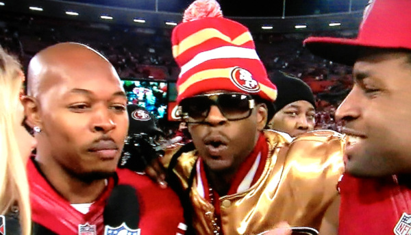 wholesale dealer d24b1 baa5f 2 Chainz Joins Michael Crabtree After 49ers Win With All ...